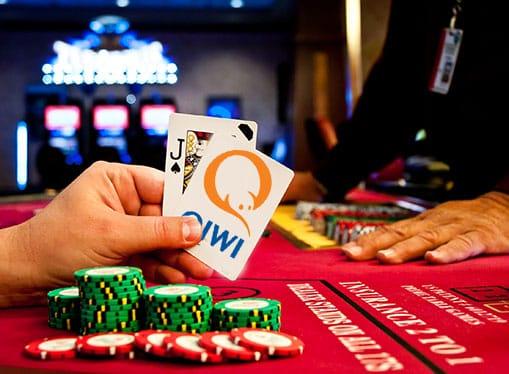 Online казино с моменальным выводом денег игровые автоматы адмирал секреты бесплатно